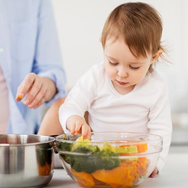 เคล็ดลับฝึกลูกน้อยอย่างไรให้ทานผัก
